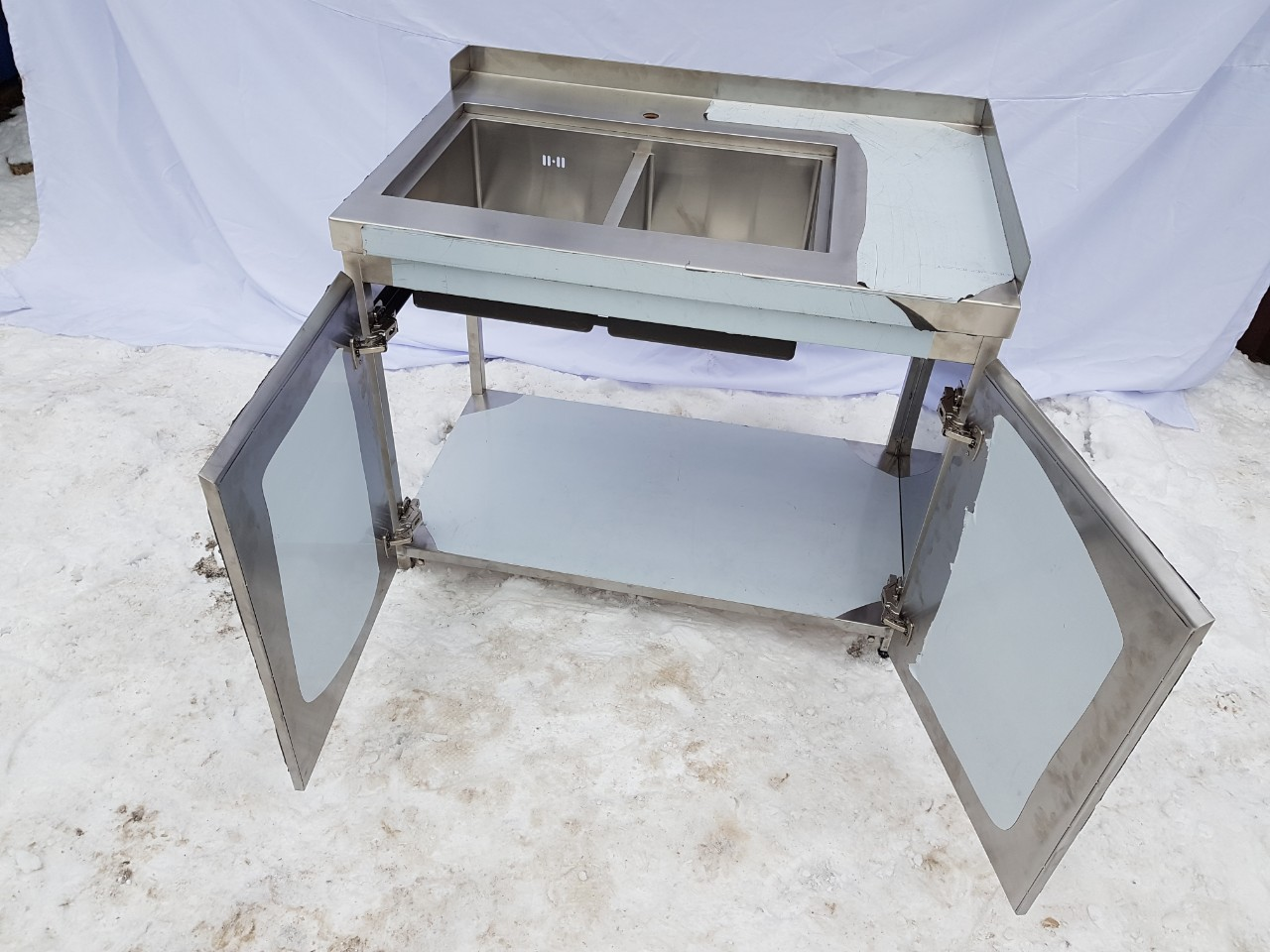 Стол производственный закрытый 1800мм x 600мм x 850мм - фотография №1