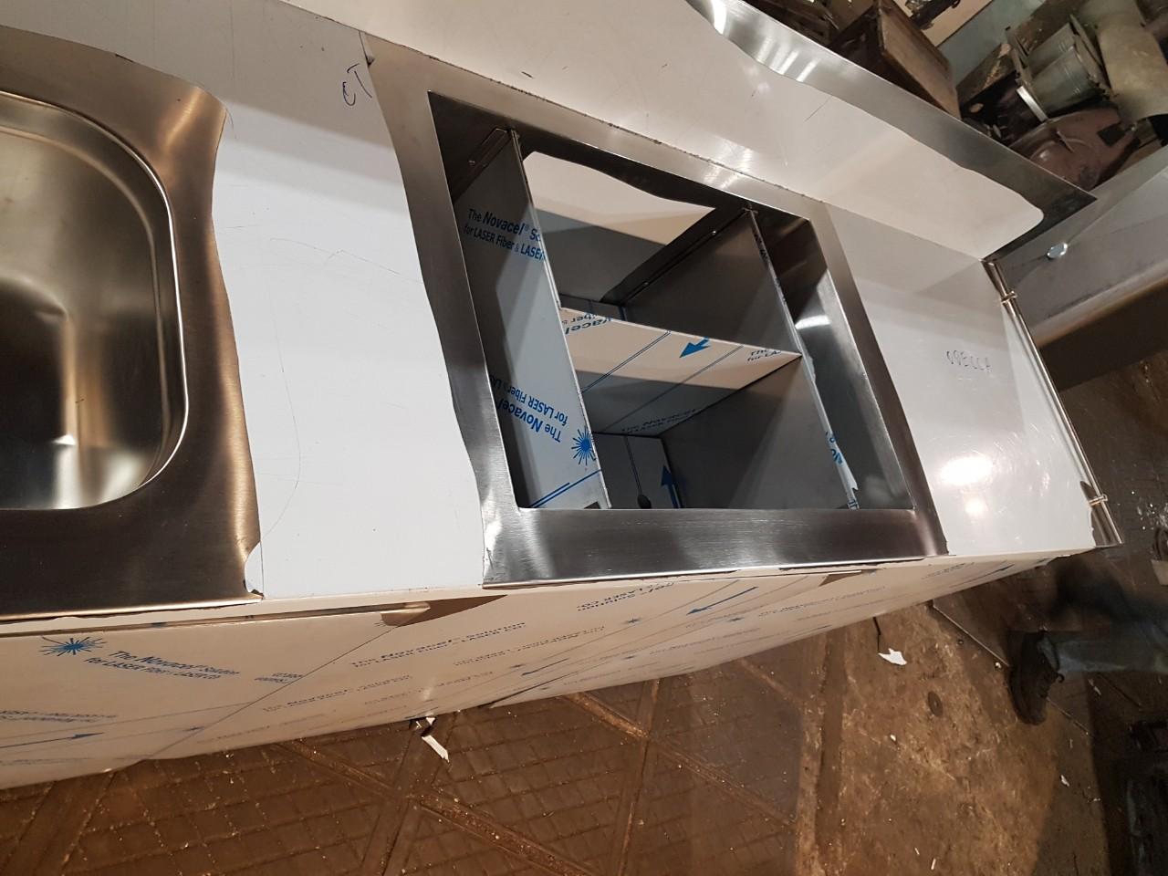 Стол с мойкой штампованной (цельнотянутой) 1200мм x 600мм x 850мм - фотография №4